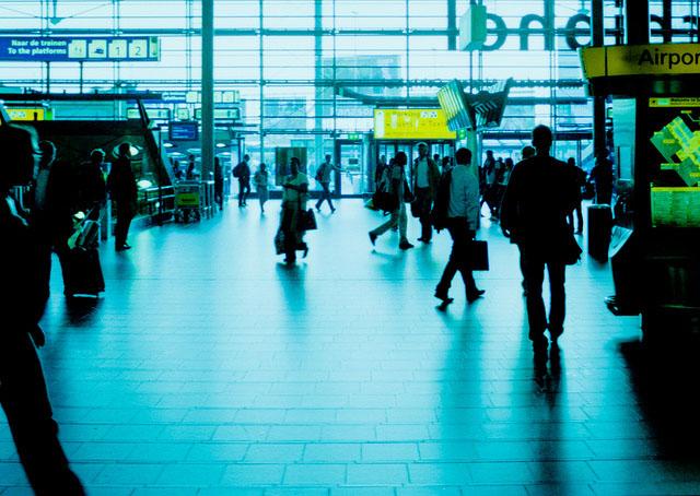 амстердам как добраться из аэропорта до центра