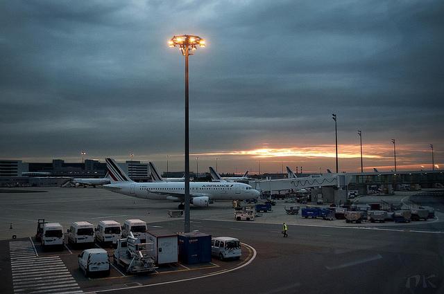 как добраться из аэропорта шарль де голь до центра парижа