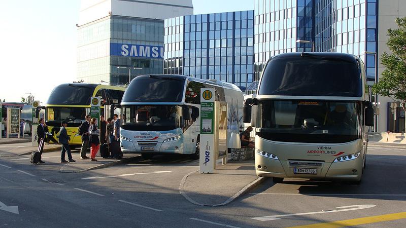 автобус из аэропорта вены