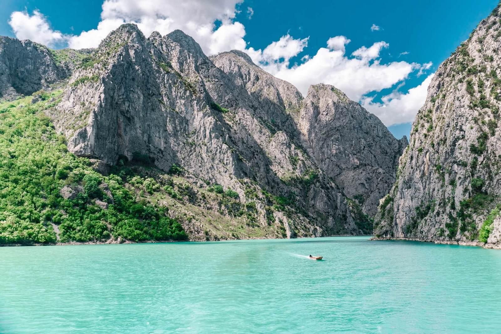 Когда ехать в Албанию