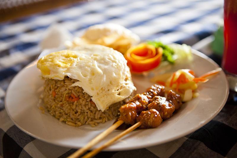 сколько стоит поесть на бали