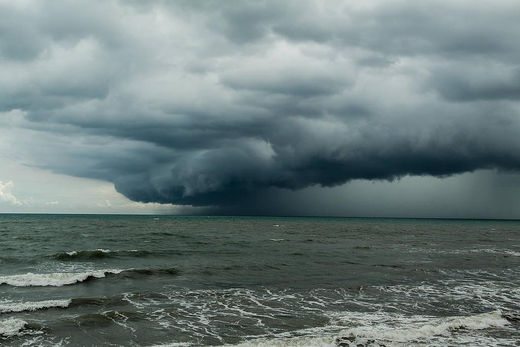Где сезон тайфунов и дождей зимой