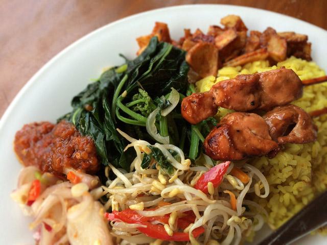 цены на еду на бали