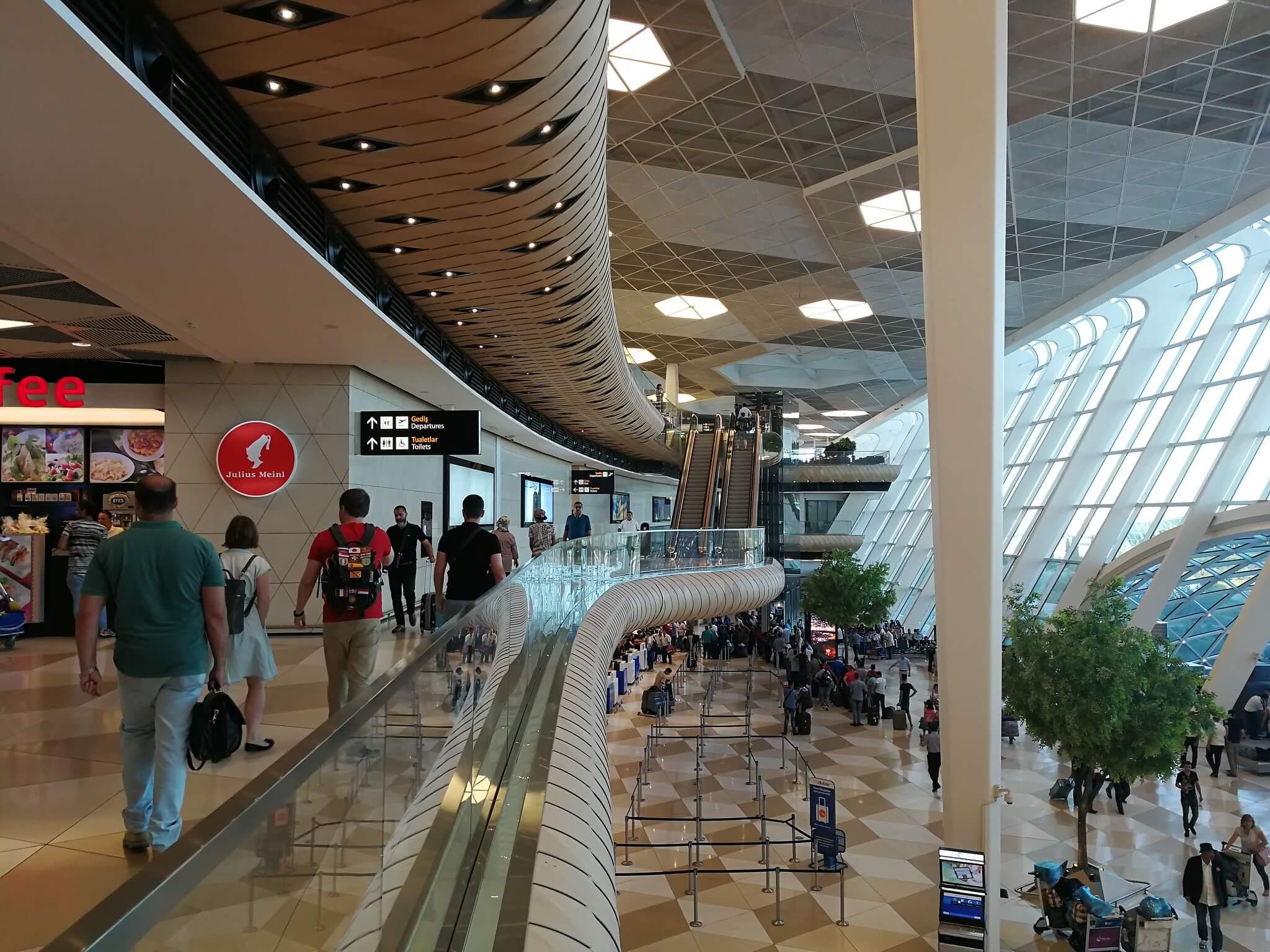 Как добраться из аэропорта в Баку