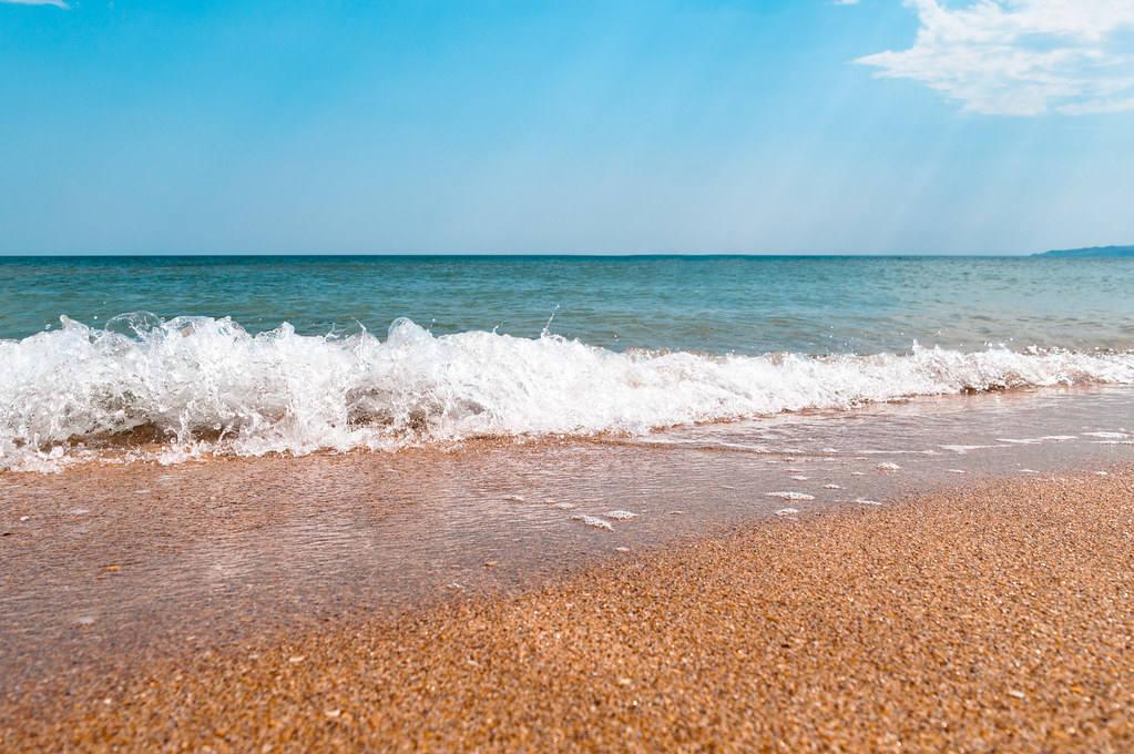 Лучшие песчаные пляжи в Крыму по отзывам туристов