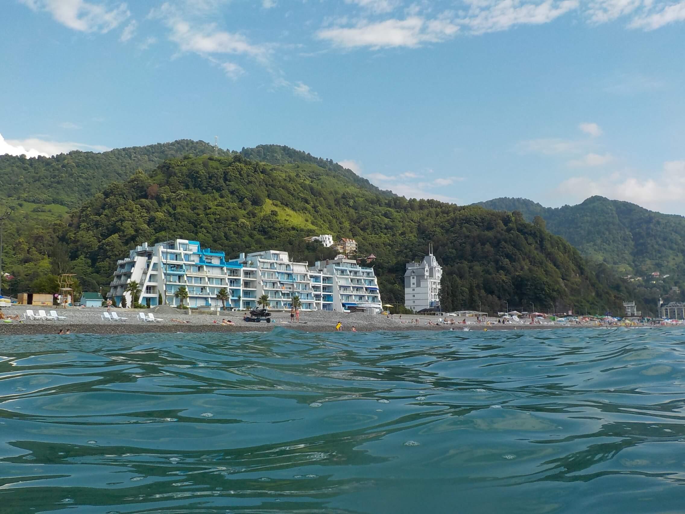 Где отдыхать на море с ребенком в сентябре