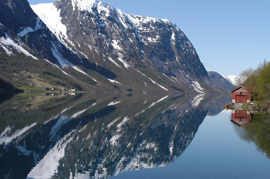 Норвежский фьорд, май, 2007 год.