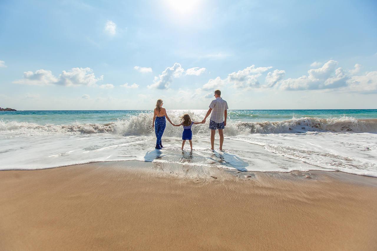 В какие страны полететь на море в мае с детьми