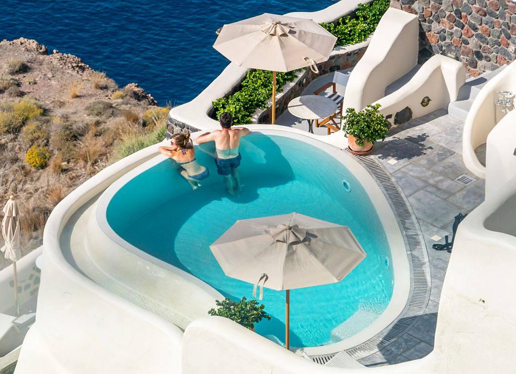 Куда лучше полететь отдыхать в Грецию или Турцию