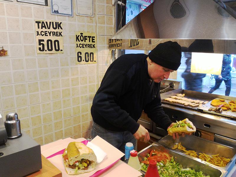 Где поесть в Стамбуле недорого и вкусно