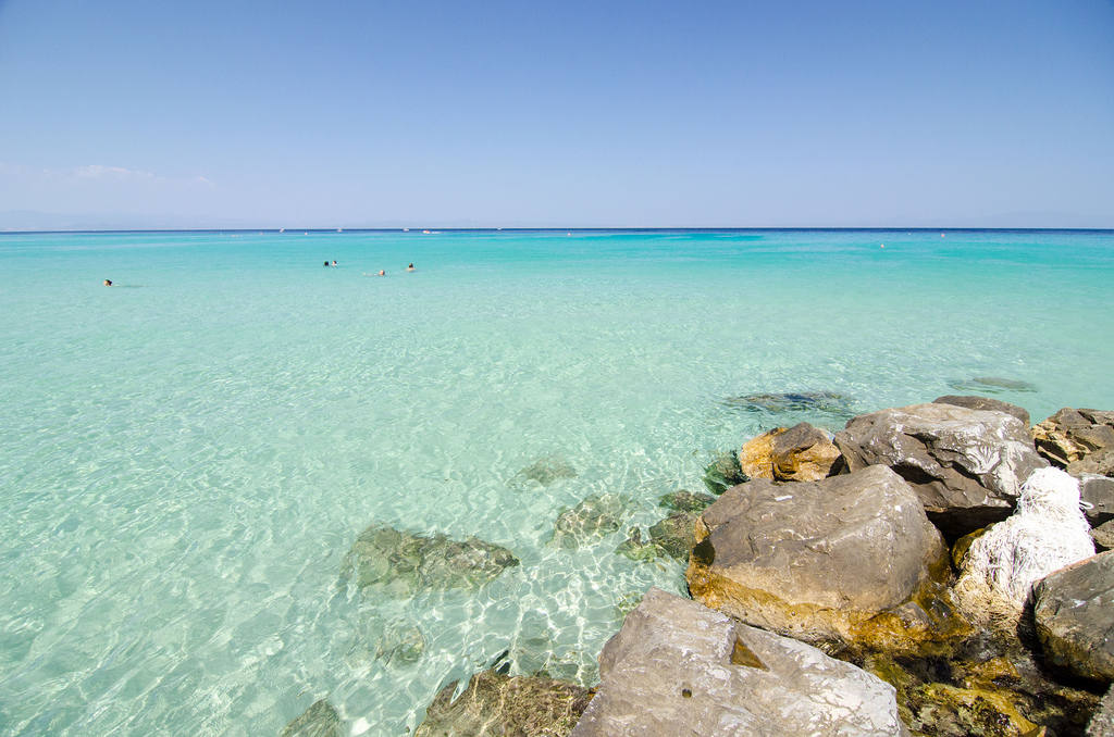 Песчано-галечный пляж на Родосе