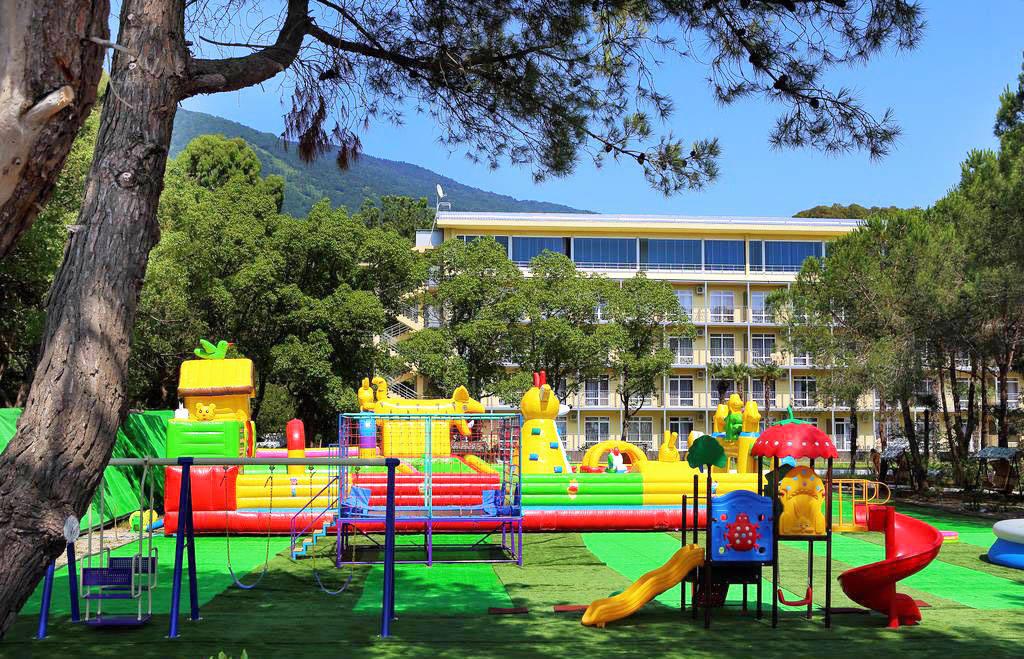 Сколько стоит отдохнуть в Абхазии