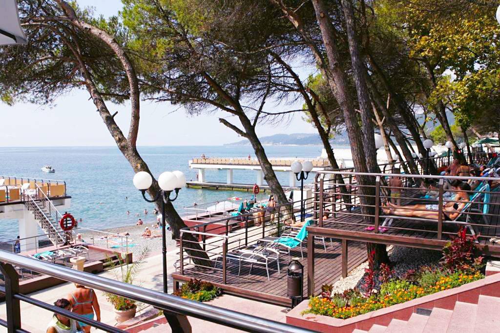 Лучшие отели в Сочи с хорошим пляжем