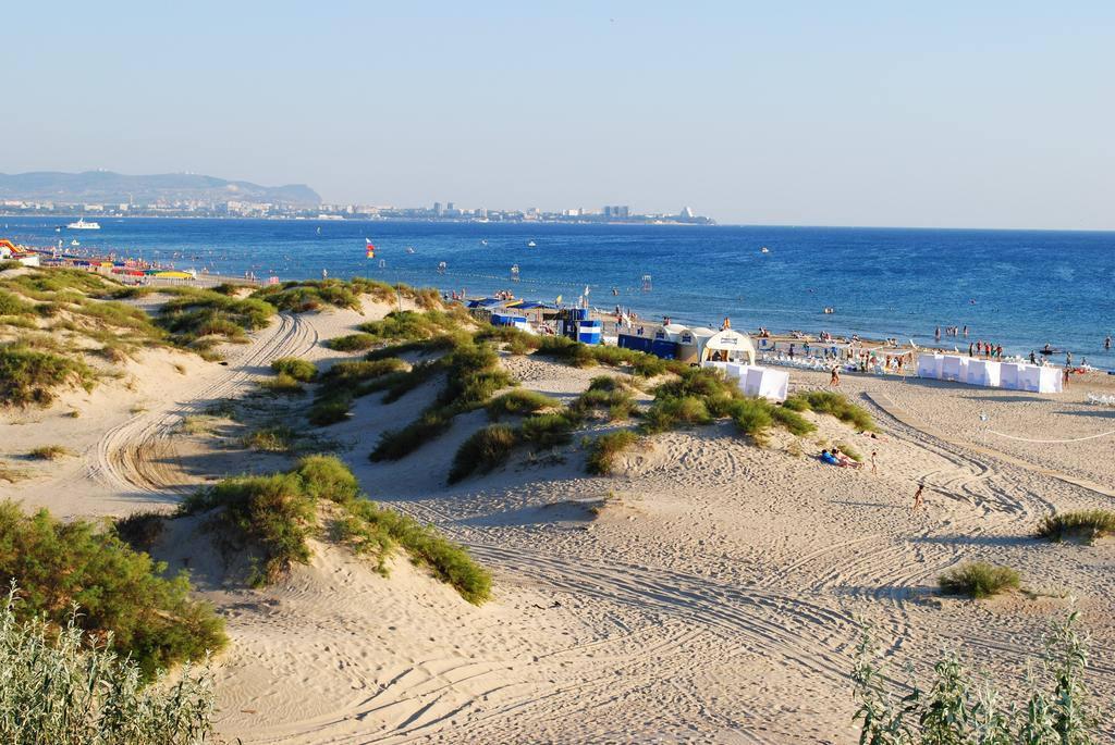 Лучшие песчаные пляжи в Анапе и Джемете