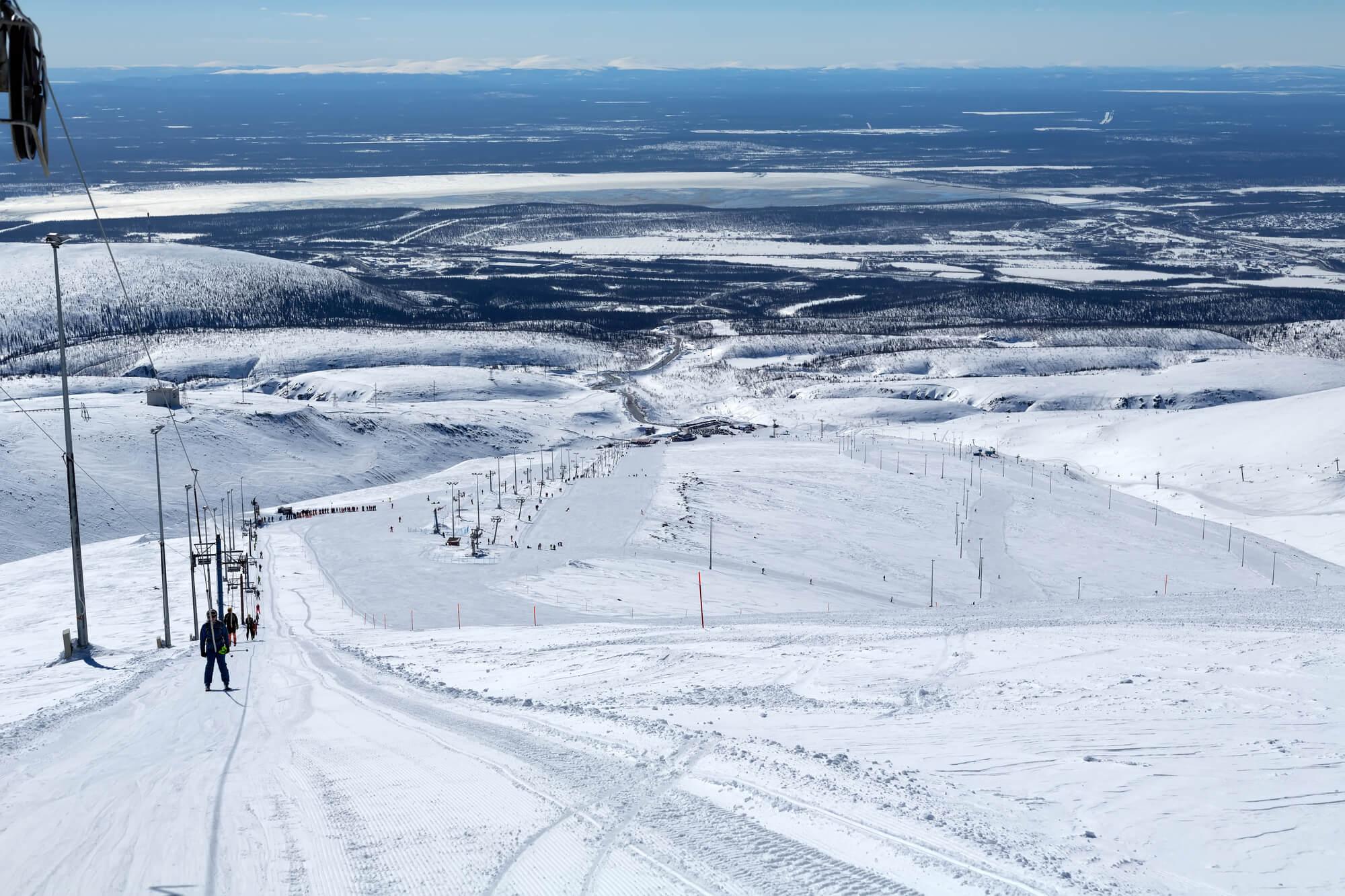 Самые снежные горнолыжные курорты России