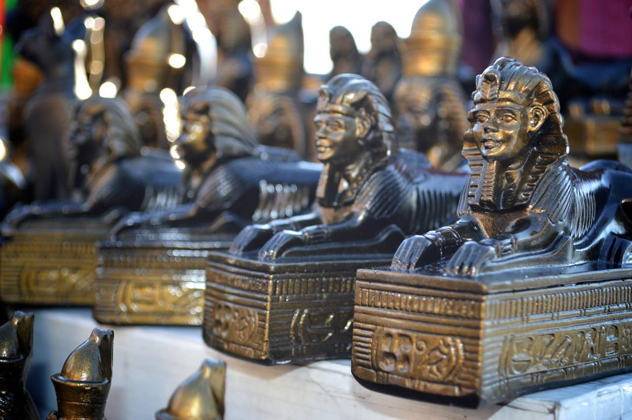 Какие сувениры можно привезти их Санкт-Петербурга