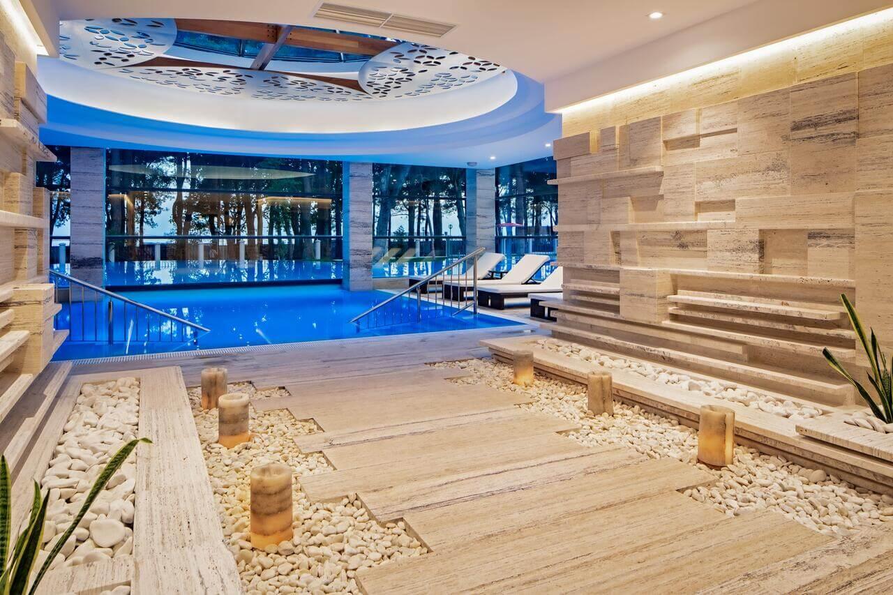 Отели Геленджика с подогревом бассейна