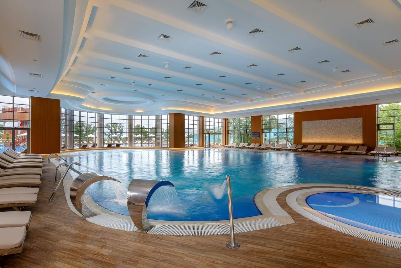 Отели Геленджика с крытыми бассейнами