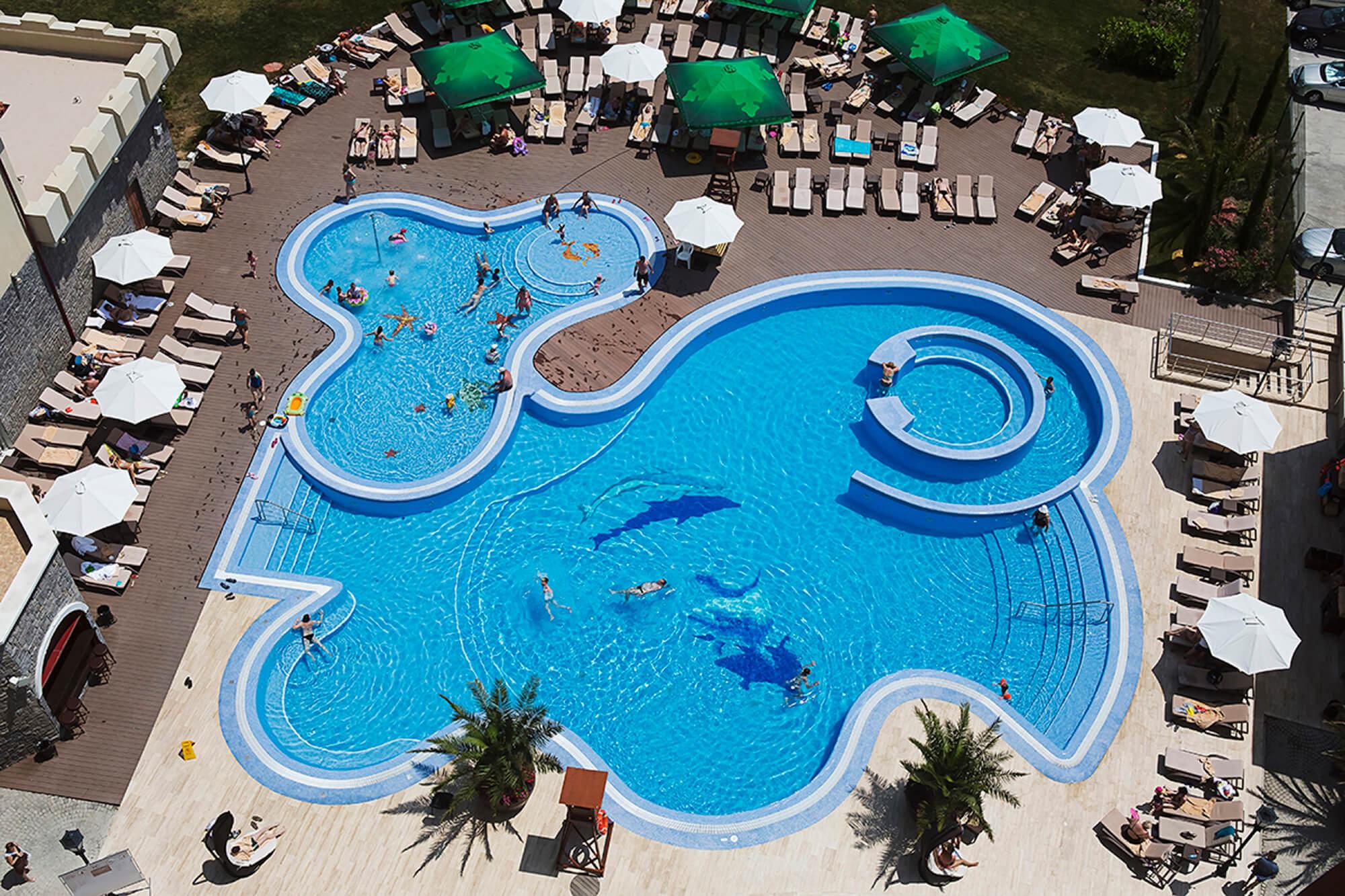 Отели в Адлере с подогреваемым бассейном