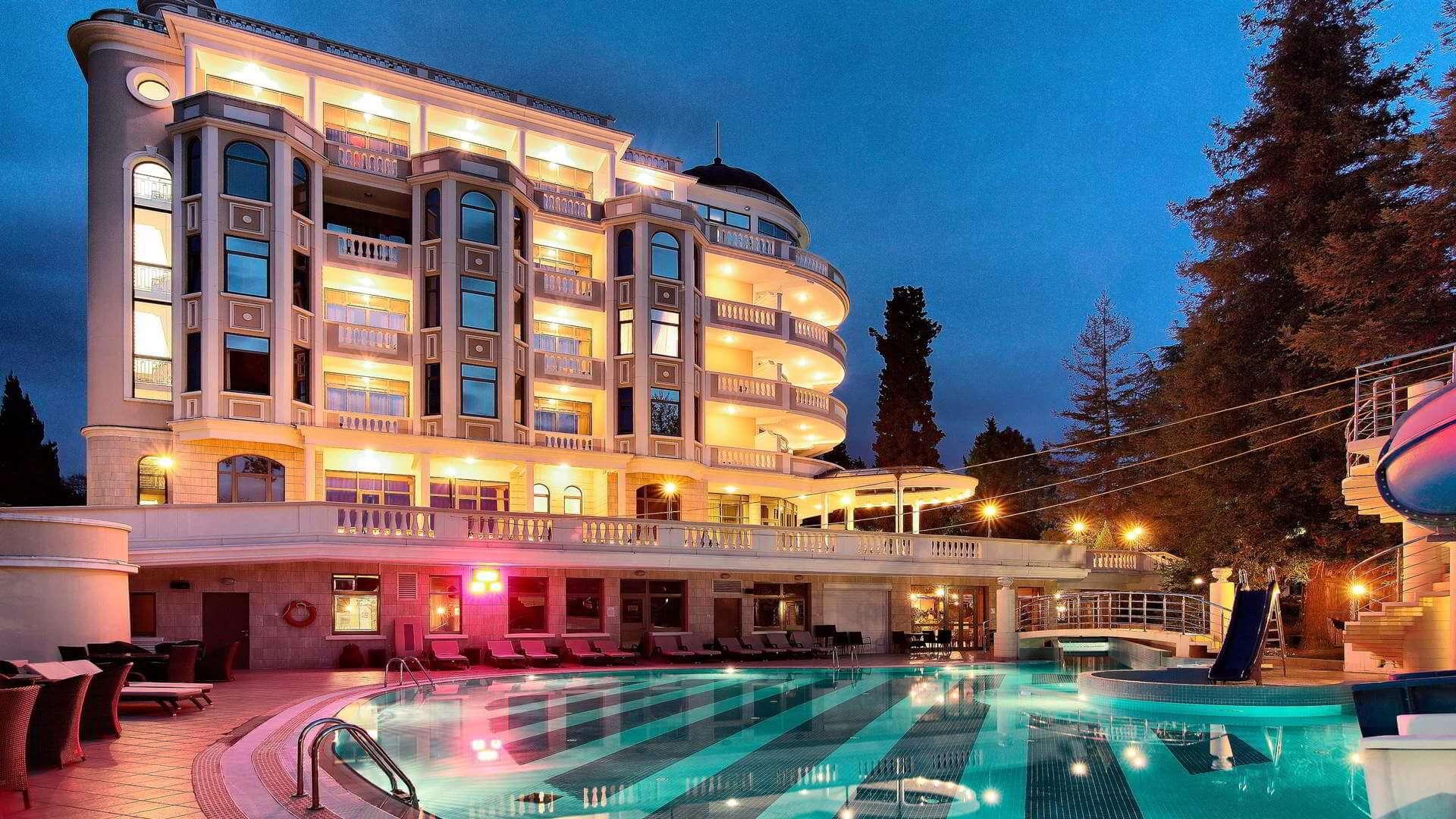 Отели в Сочи с подогреваемым бассейном