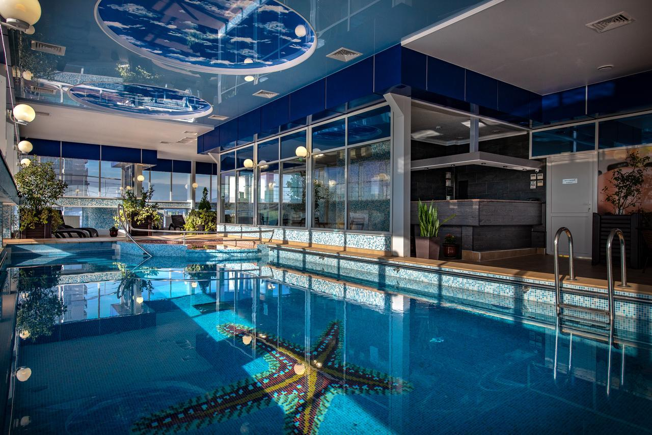 Отели в Сочи с бассейном с подогревом