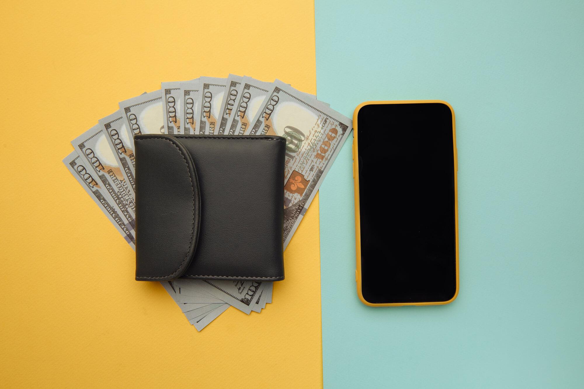 Карты, деньги, телефон в путешествиях