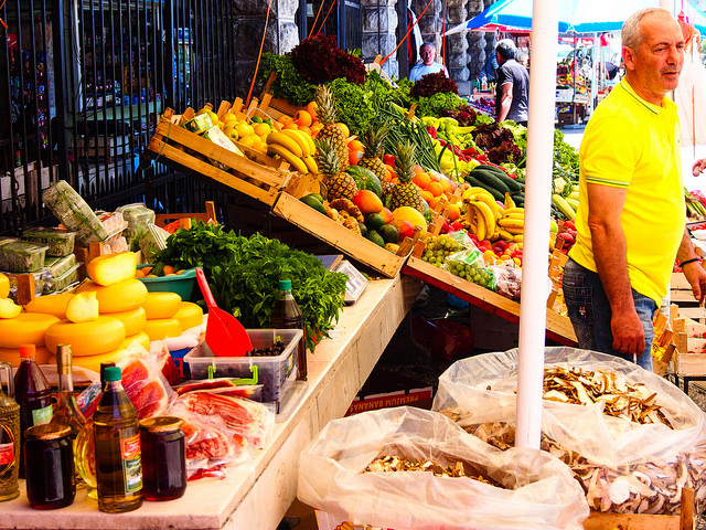 фрукты и продукты в Черногории