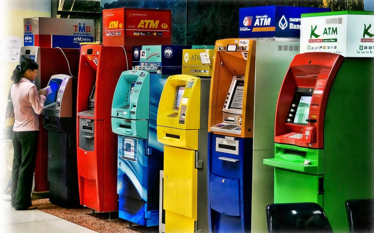Как снять деньги в Таиланде без комиссии
