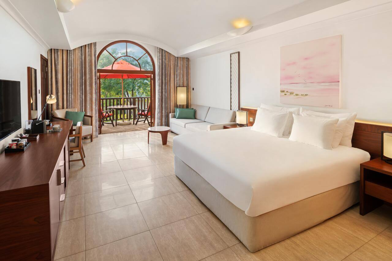 Лучшие отели с песчаным пляжем в Дубае