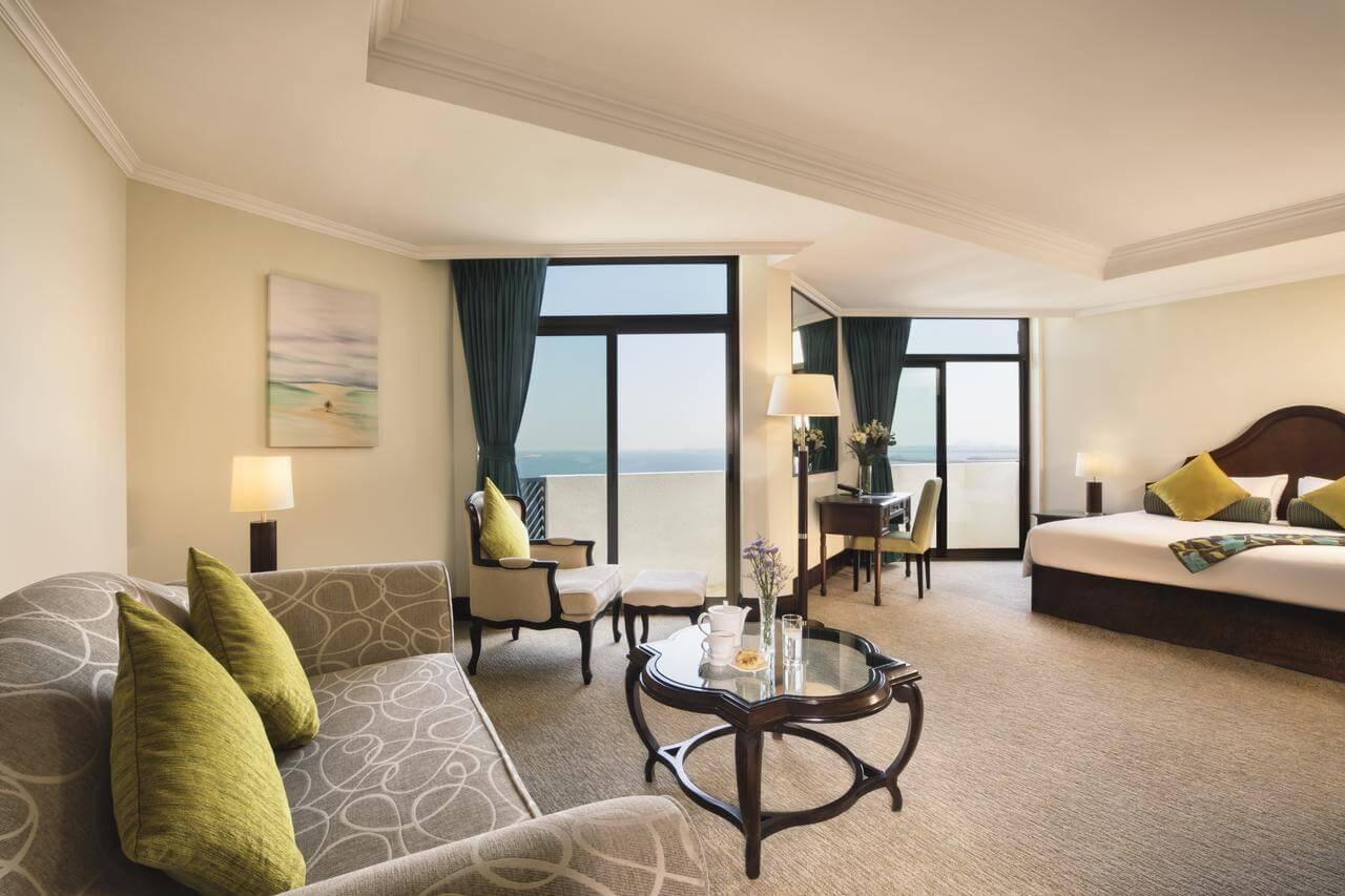 Отдых в отеле в пляжем в Дубае
