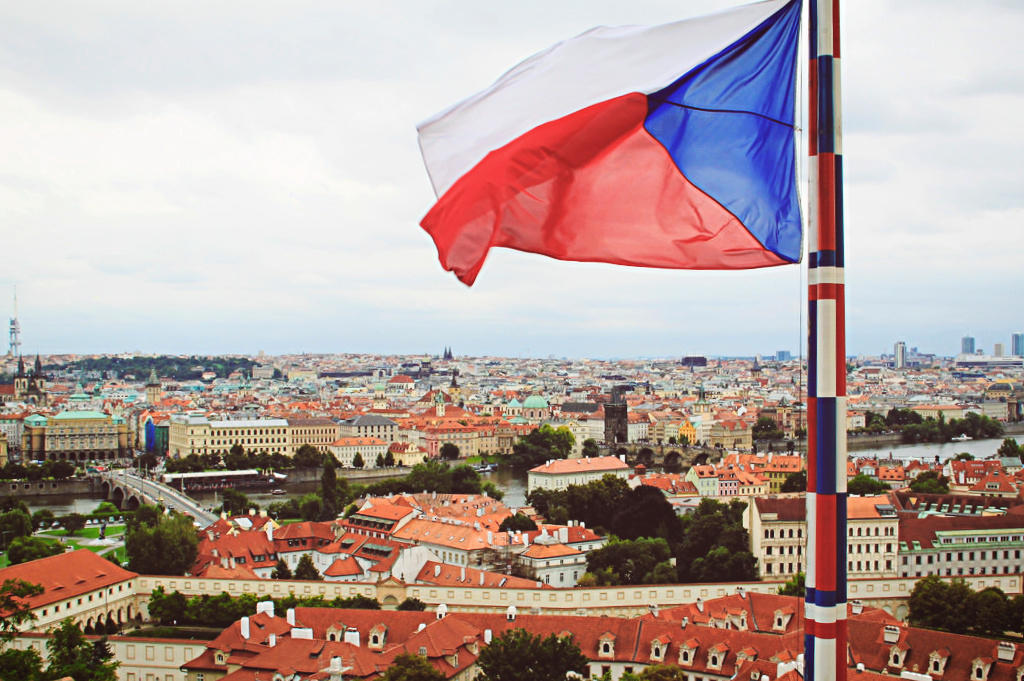 Виза в Чехию для россиян в 2019 году: как самостоятельно получить