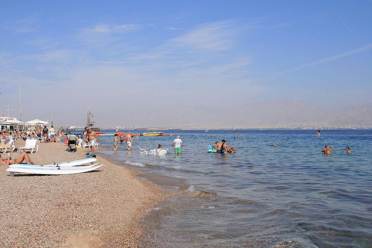 Где отдохнуть недорого в мае на море