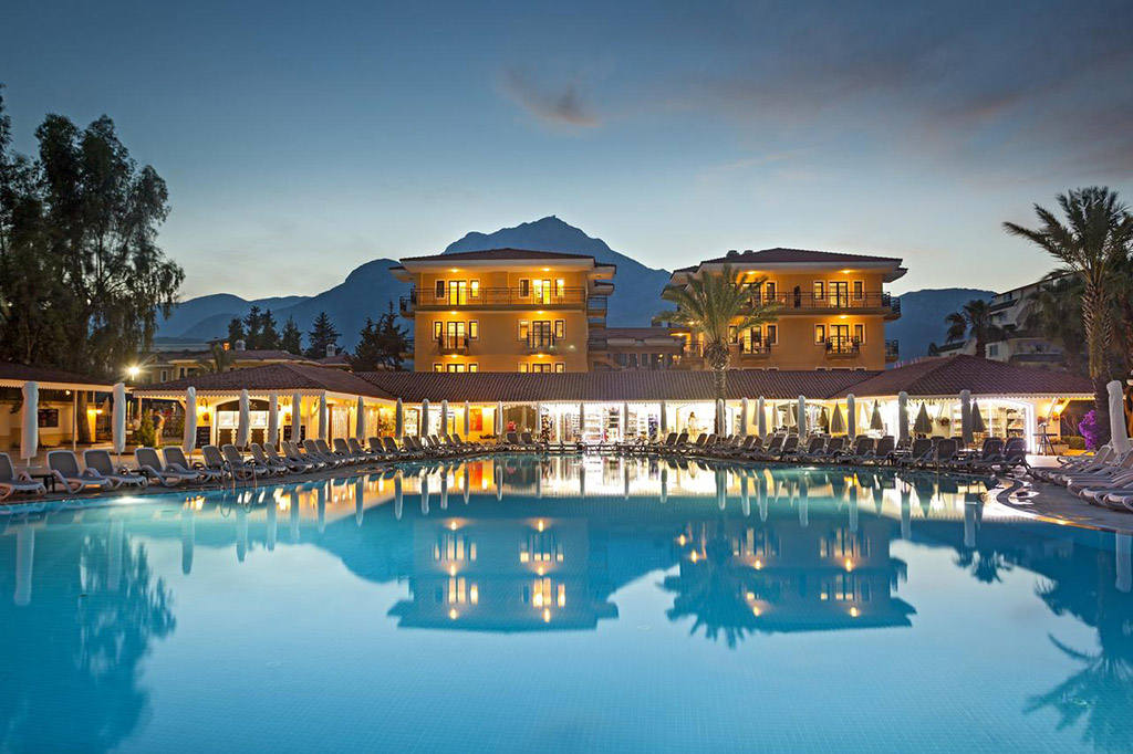 Отель 5 звезд в Кемере с собственным пляжем