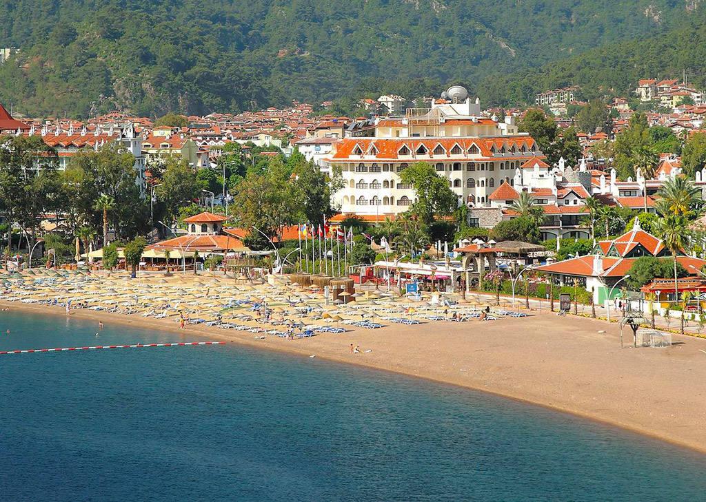 Отель с собственным пляжем