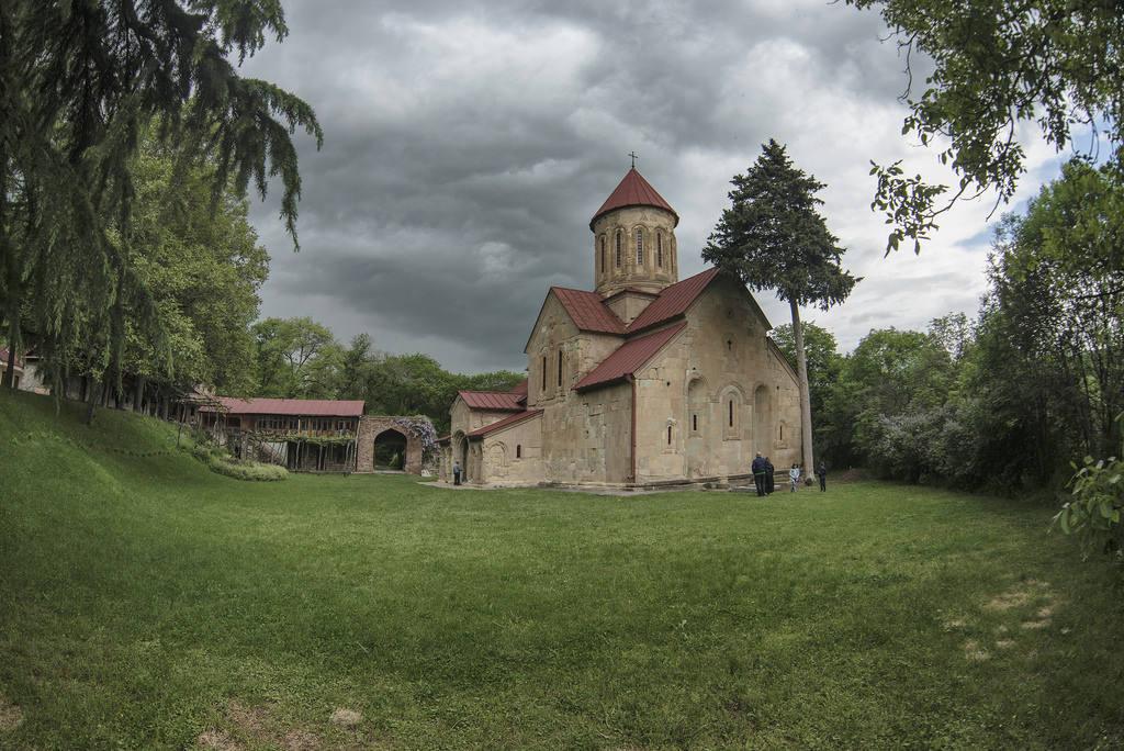 Монастыри в Тбилиси