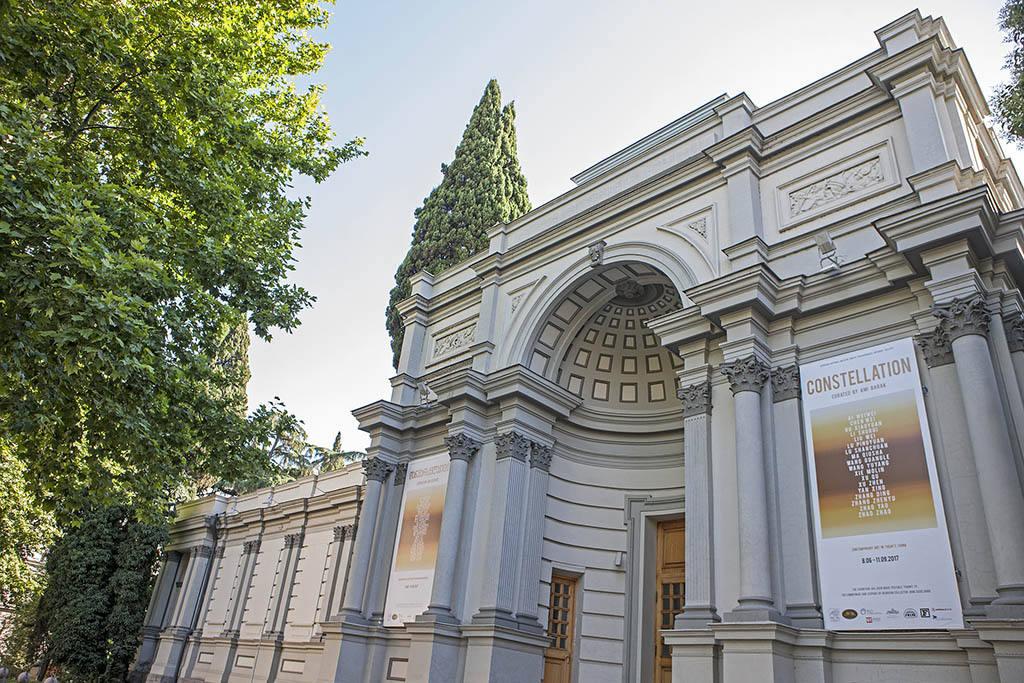 Фото достопримечательностей в Тбилиси