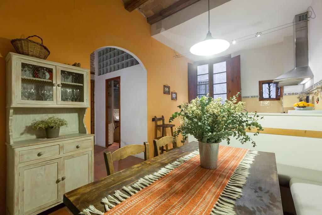 Испанские апартаменты в Барселоне