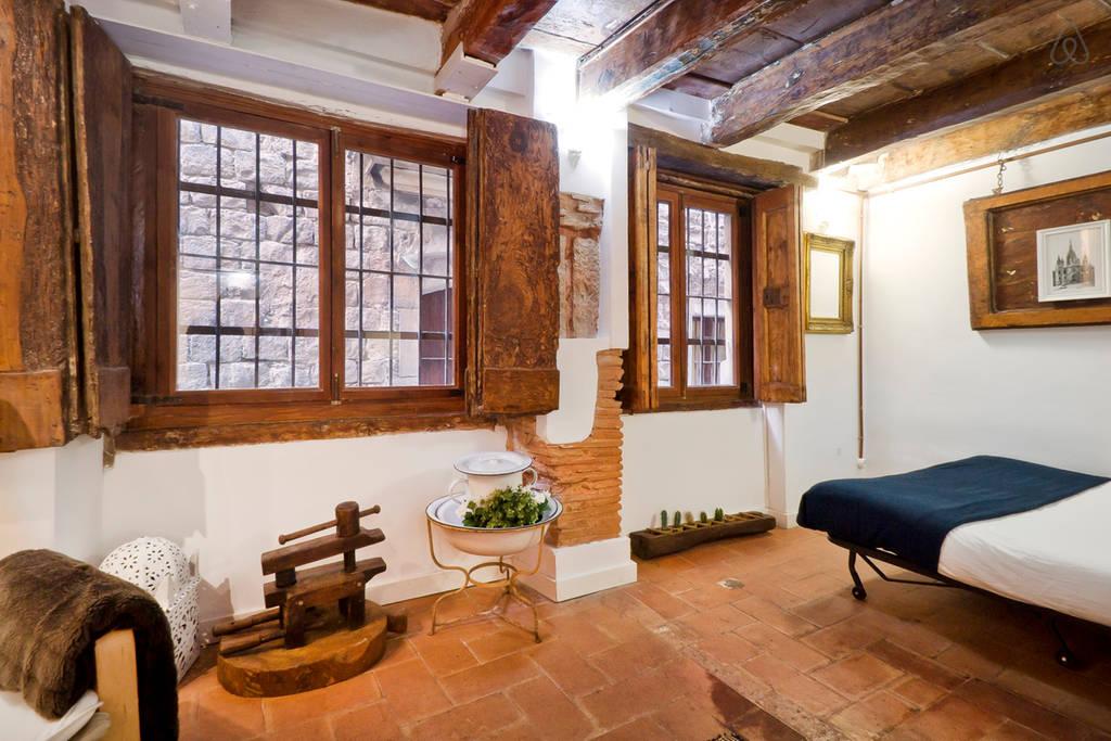 Апартаменты в Барселоне в здании 16 века