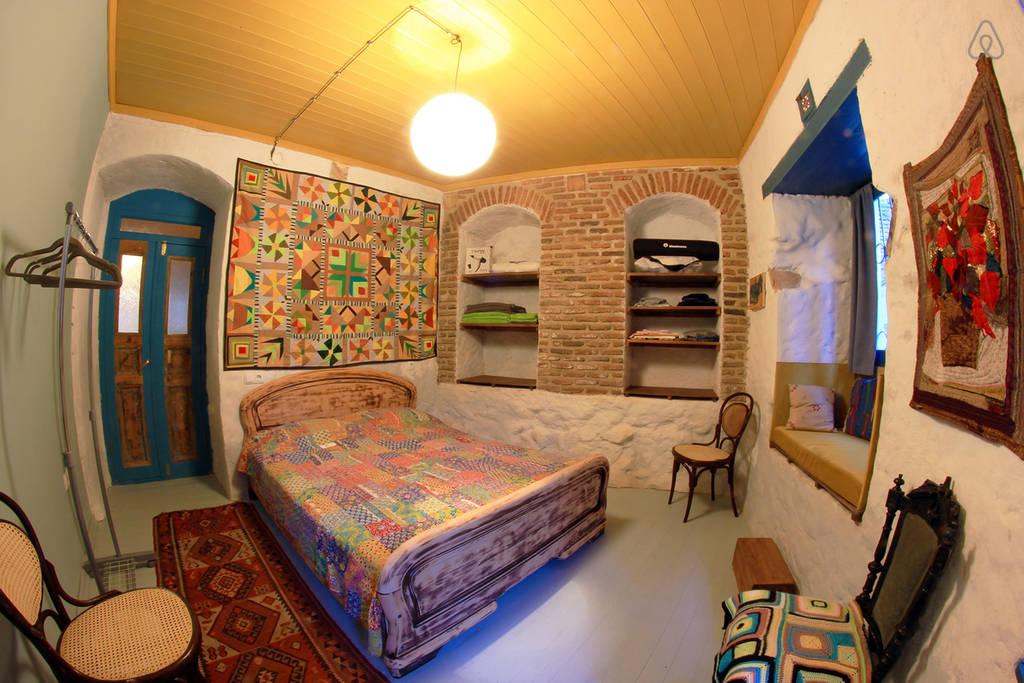 Необычное жилье в Тбилиси