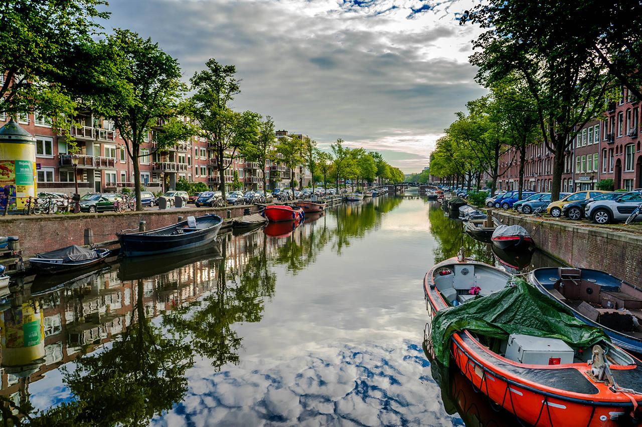 Снять дом-лодку в Амстердаме